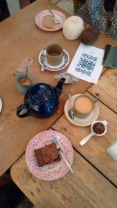 Brownie and tea at Siblings home