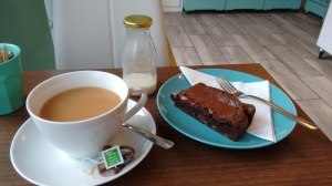 Cookie Jar tea and brownie